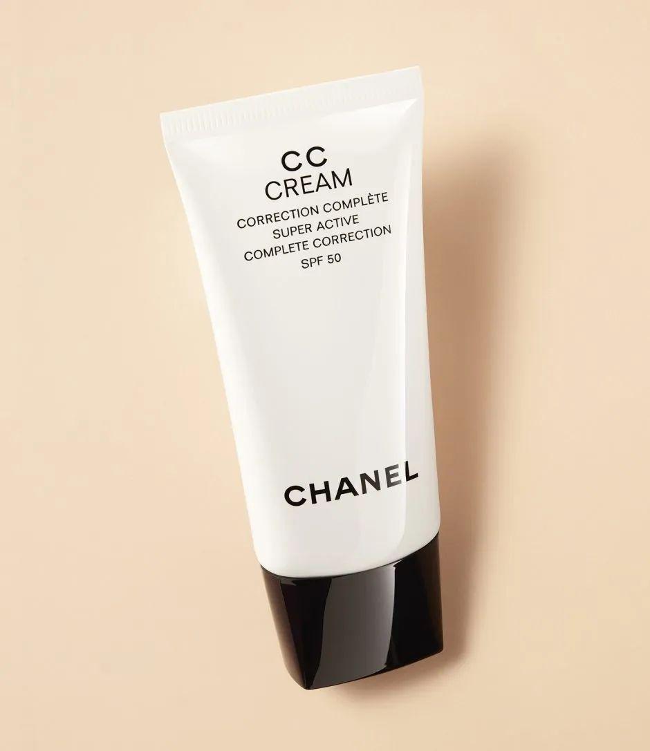 养肤,修色,还轻薄的防晒单品 高贵中的优雅!